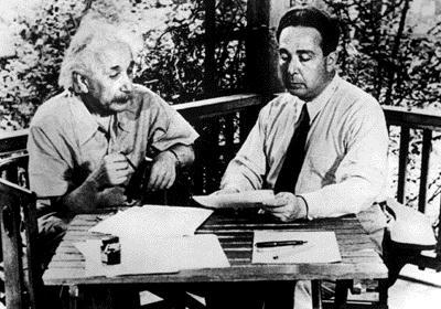 EinsteinSzilard.jpg
