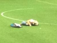 デンマーク・スーペルリーガでサッカー試合後のピッチで男女がセックスする事件が発生