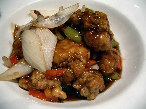 黒酢のカリッと酢豚@上海廊